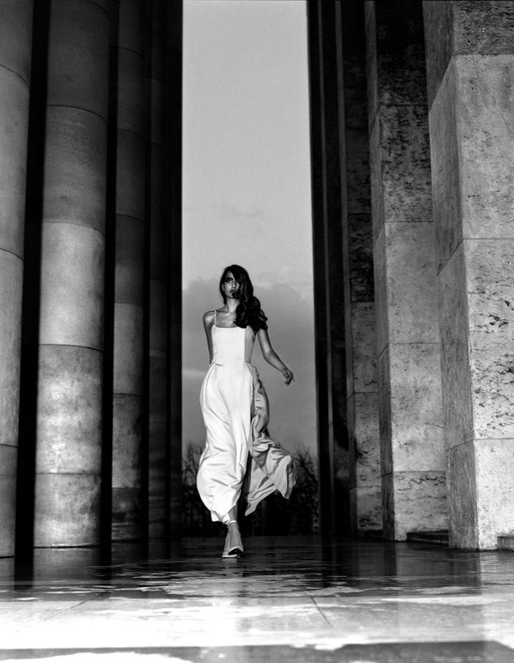Irene Salvador con un vestido de alta costura de Tilmann Grawe