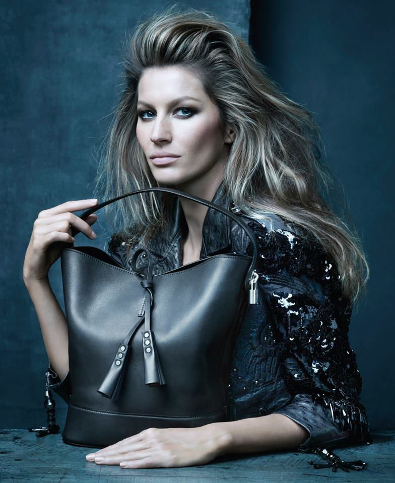 Gisele Bündchen retratada por Steven Meisel para Louis Vuitton.