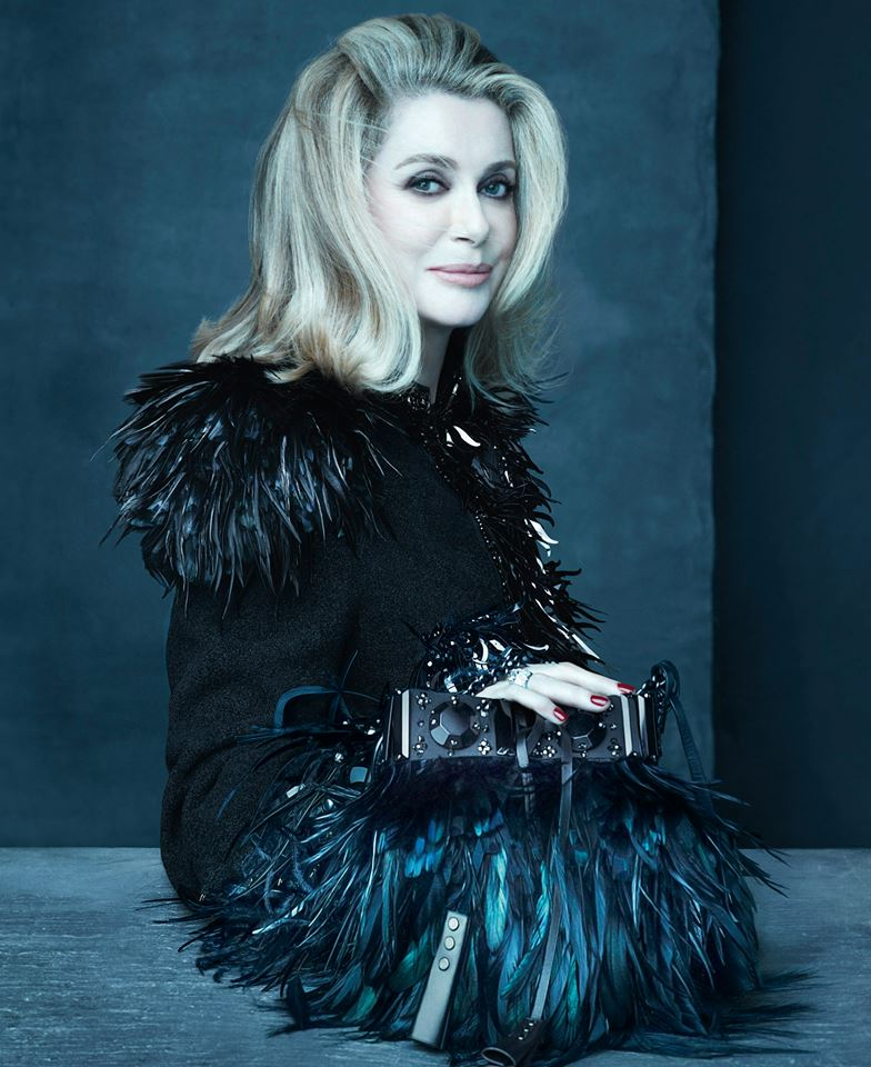 Catherine Deneuve retratada por Steven Meisel para Louis Vuitton.