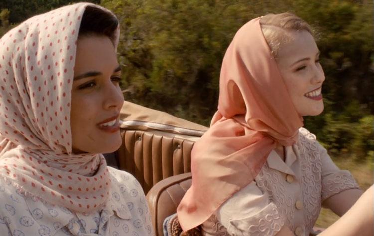 Rosalinda y Sira coche
